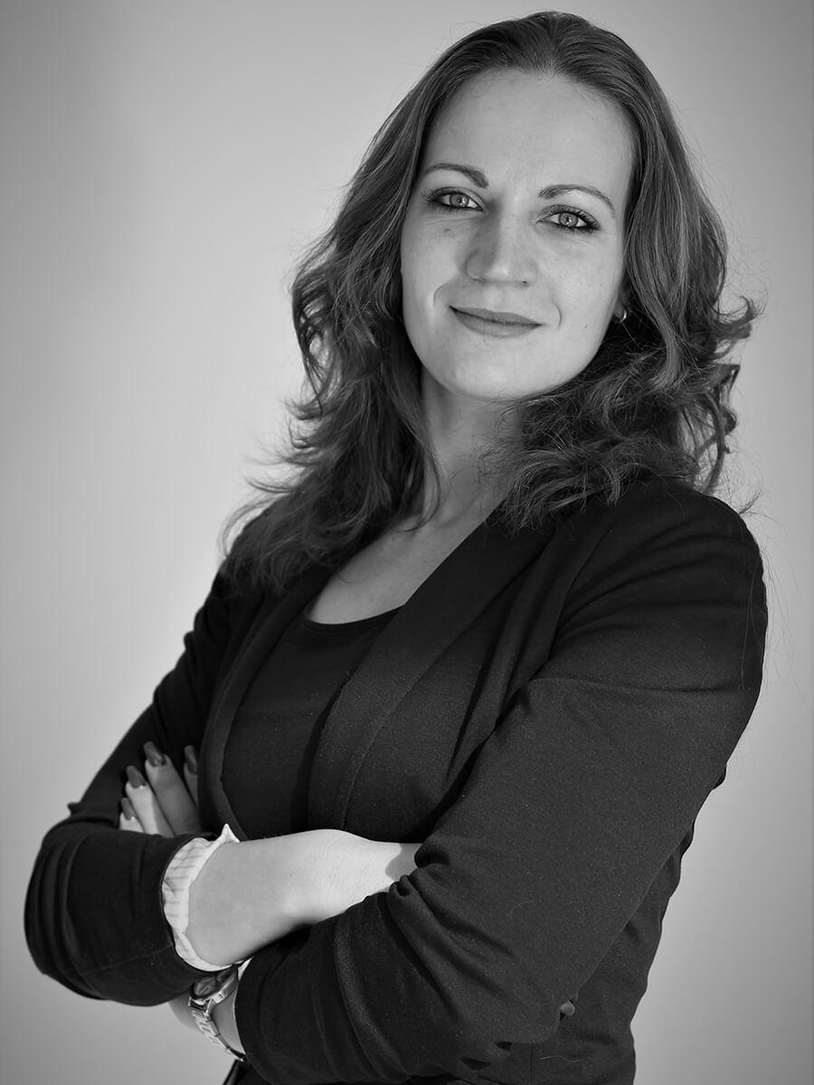Leontien Zeeman - Corporate Administrator